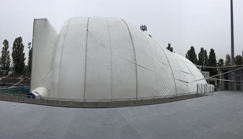A Buborék kívülről