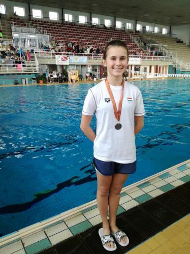 Skobeleva Alisa bronzérmes C lány 3 méteren