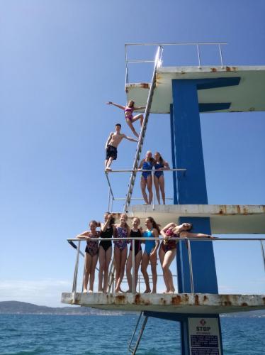 Rugólábasok a tengerparti toronyban