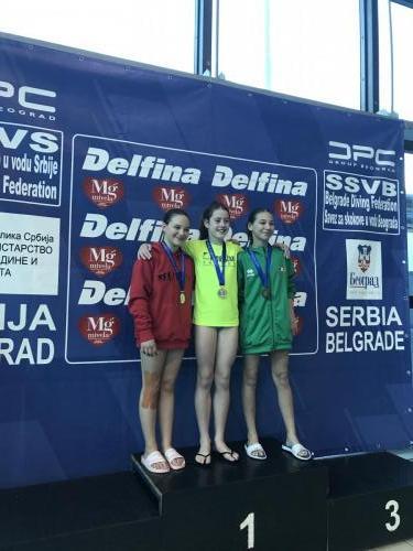 Bodrogi Emma ezüstérmes C lány 1 méteren